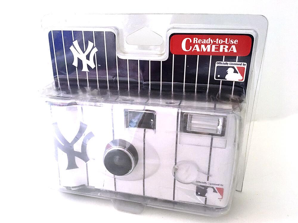 ヤンキースのインスタントカメラ